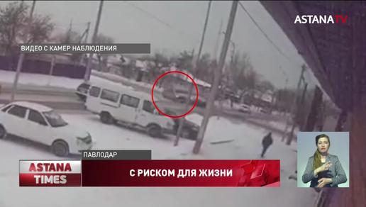 Реанимобиль с пациентом в Павлодаре попал в ДТП